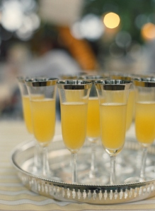beach weddings classic cocktails elegant serving trays