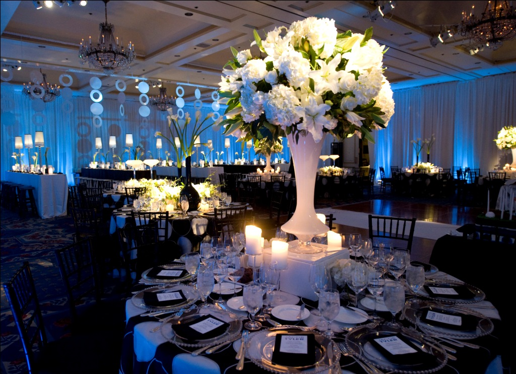 Real stories a black and blue havdalah bar mitzvah at the for 4 seasons decoration