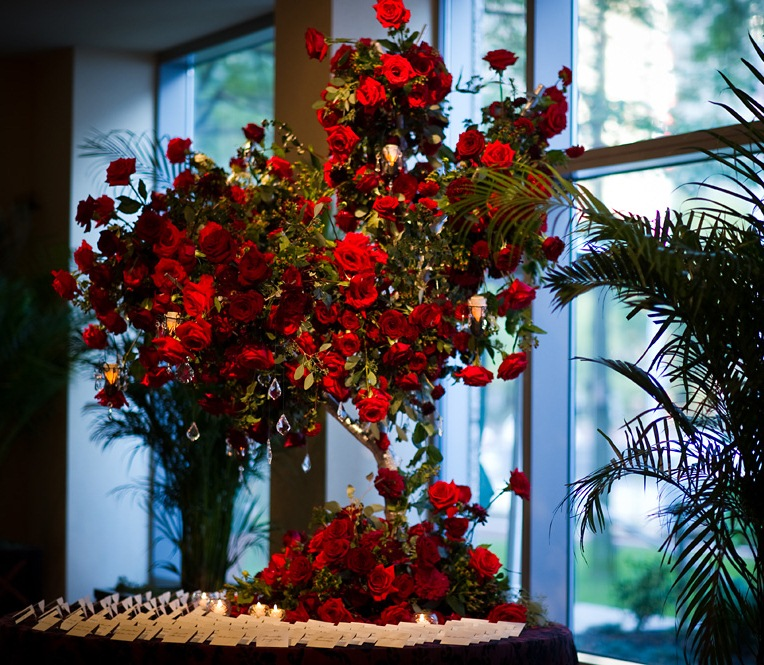 Red Roses In Room Champagne Hotel