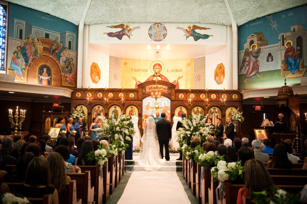 WE LOVE: Wedding Ceremonies In Churches