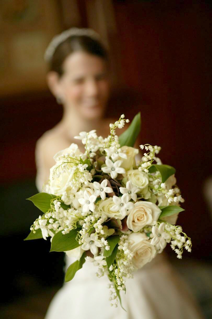 Flowers stephanotis sweet fragrance and elegant for Best flowers for wedding bouquet