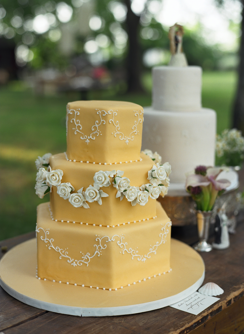 Wedding Cake Designs Vintage : EVENT DESIGN: Vintage Wedding Cake Toppers Evantine ...
