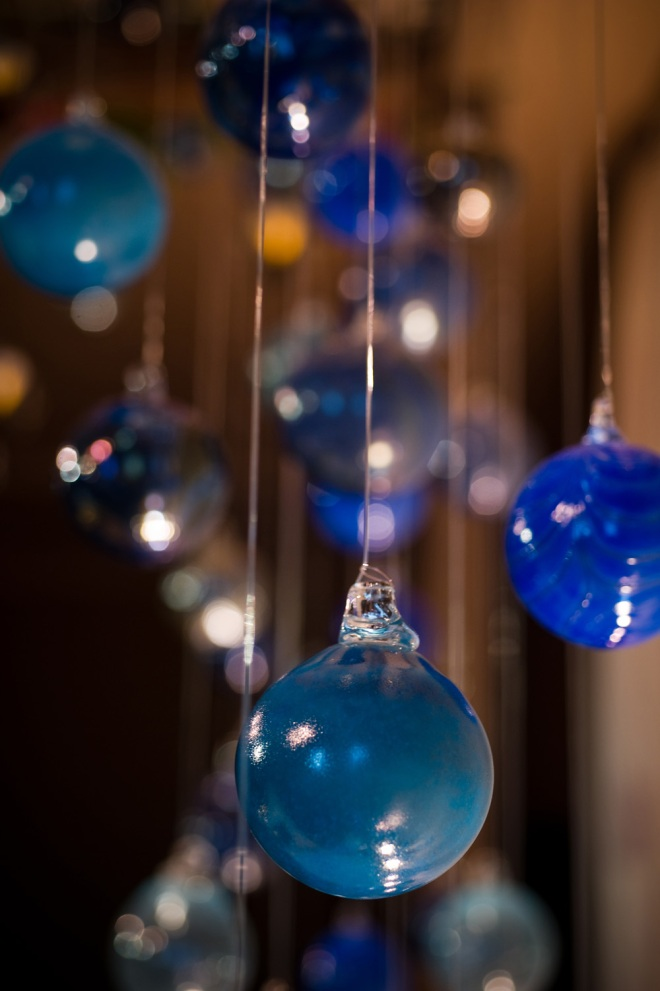 blue glass ornaments unique wedding details DIY design