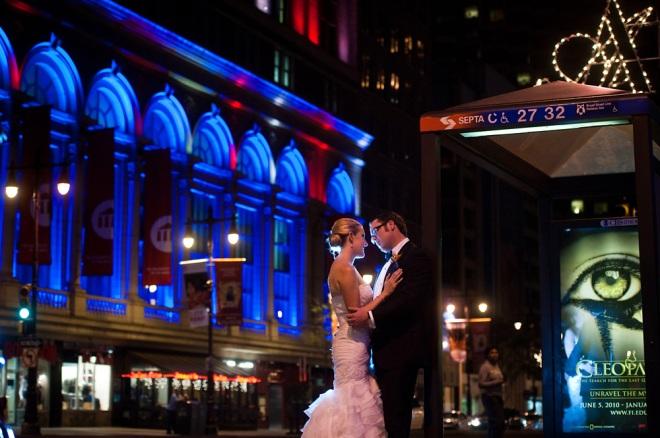 bride and groom city photos Philadelphia avenue of the arts