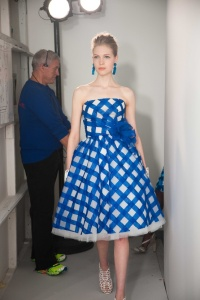oscar de la renta resort 2013 cobalt blue short check dress