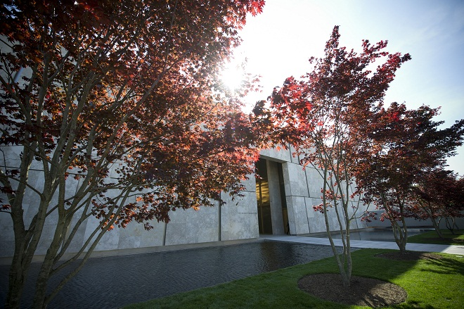 The Barnes Foundation Entrance Philadelphia Museums
