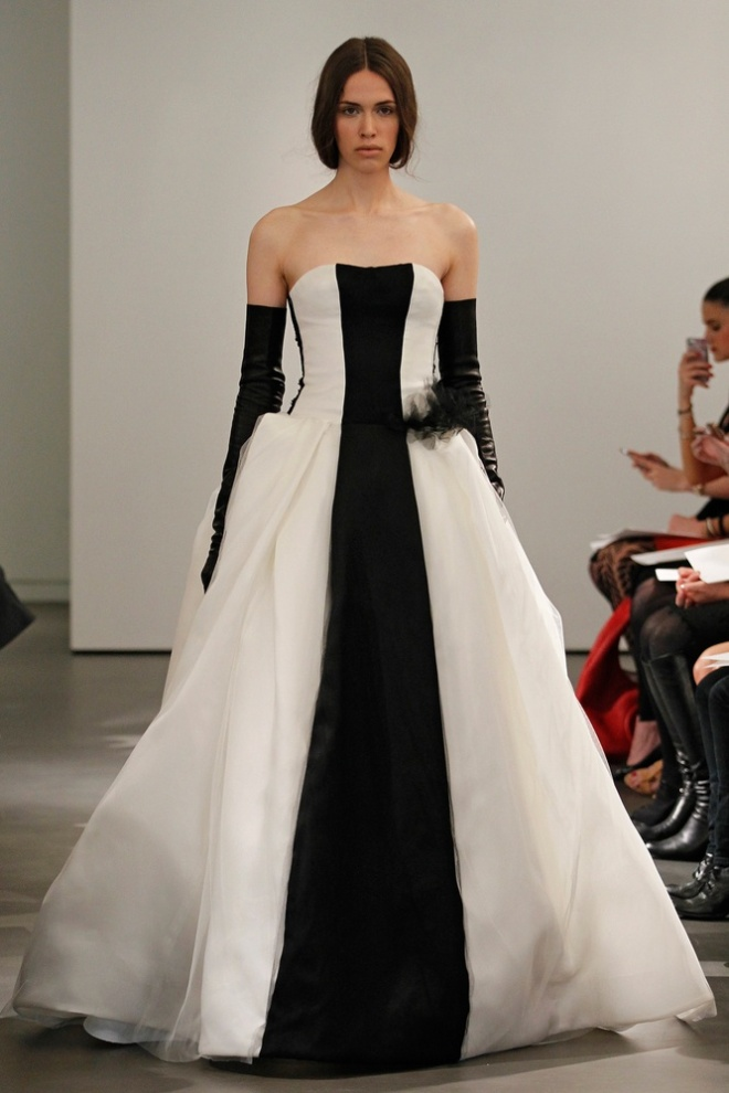 Vera Wang Black and White Wedding Gowns 2