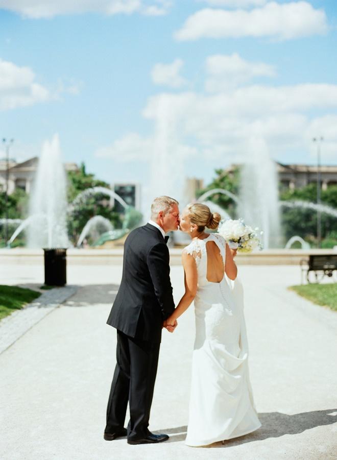 bride and groom photos swan fountain philadelphia center city weddings evantine design liz banfield
